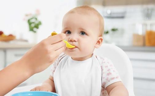 Bebeklerde Emzirme Düzeni Nasıl Olmalı ?